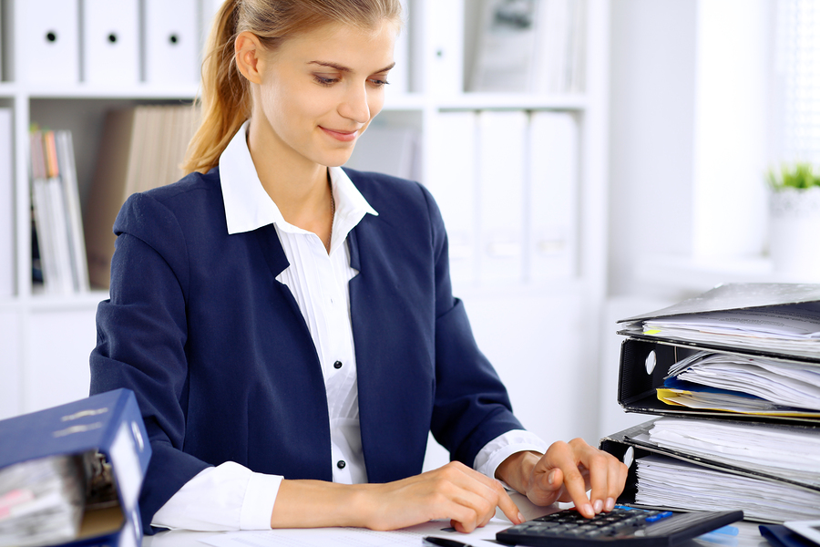 Ways That Professional Bookkeeping Services Benefit Businesses
